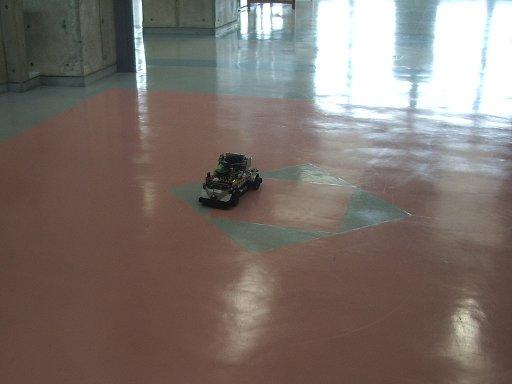 RoboCarミニレースのゴール.